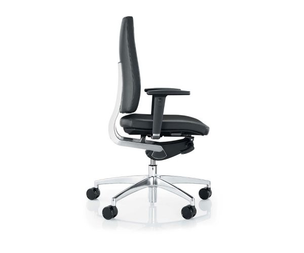 BOSS Sona Chair Side