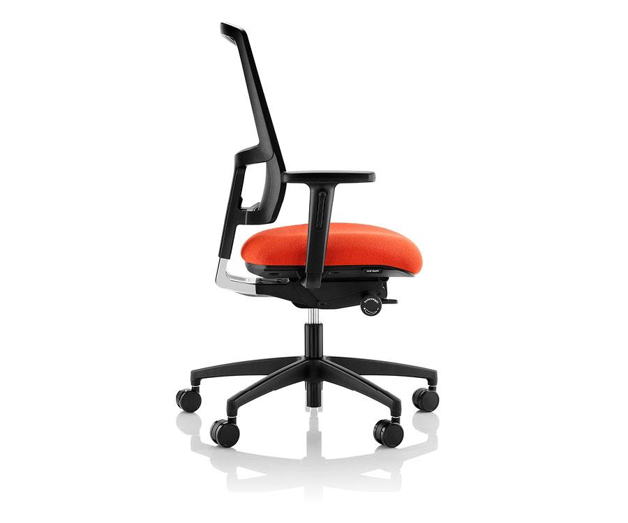 BOSS Komac Felix Chair side